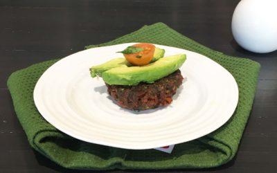 Speck-Knoblauch-Avocado Burger